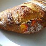 ブーランジェリー トースト - イチジクのカンパーニュ (180円)