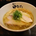 自家製麺 麺や ひなた - 料理写真:天草大王 塩らーめん(800円、斜め上から)