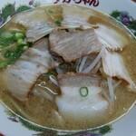 タカちゃん - 料理写真:チャーシュー麺(並)(810円)