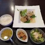 LEVEL4 - 日替、鯖の和風ハンバーグ定食850円。