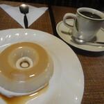 珈琲専門店 TOM  - ジジロア+コーヒー