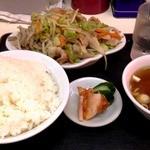 中華&洋食 コタン - 2012/05/31  肉野菜炒め定食 一番人気のメニューでした。