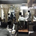 京長家 麻暖簾 - 201205 麻暖簾 店内(奥のテーブル席から入口に向かい).jpg