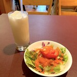 SULTAN - サラダとドリンク