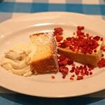 トラットリア カルネジーオ - ベイクドチーズケーキとパウンドケーキ