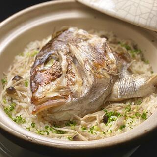 名物■黄金ダシの鯛土鍋御飯
