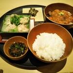Sashakanetanaka - 料理 東丼 大山どり水炊き ご飯