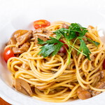 ヒラクヤ オステリア - イタリア産ポルチーニ茸とミニトマトのスパゲッティ