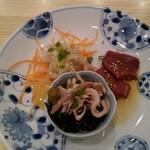 大衆肉酒場 ゼニバ - ホルモン刺し3種盛り(ハツ・白センマイ・ガツポン)