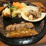 ウッドストック - ハンバーグと大山地鶏の照り焼き(2000円)