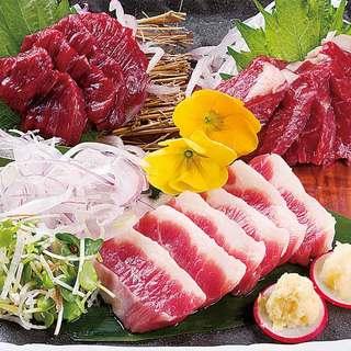 九州・熊本直送の本場の馬刺しをご賞味ください。