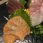 日本酒と地鶏 八兵衛 - 本日の刺身三点盛り