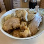自家製ラーメン大者 - 料理写真:ラーメン、野菜少なめニンニクアブラカラメ