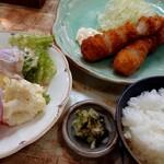 とんかつの船はし - 料理写真:海老フライ(1200円税込)、ポテトサラダ(550円税込)、ライスの中サイズ(150円税込)