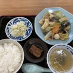 中華飯店萬龍軒 - 八宝菜定食