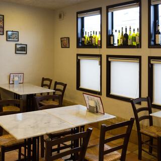 南イタリアの雰囲気を演出◆ご家族連れでのお食事にもぜひ