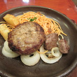 洋食 浅草軒 - メインディッシュのアップ