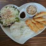 カフェ ラ リベルテ - 料理写真:焼き揚げチキンプレート 1,080円+税