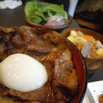 恵比寿 鐵玄 - ランチ限定!ボリューム満点の豚丼!
