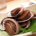 鮨処 水無月 - つまみの2品目は「とこぶし煮」。