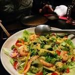 なかなか - ■鶏たたきのハリハリサラダ⇒鶏抜き注文で海老ハリハリ