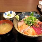 132119931 - 海鮮丼定食 ご飯大盛り