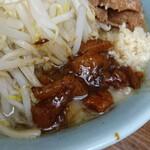 ラーメン二郎 - 料理写真:味付けアブラ