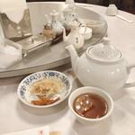虎ノ門 新橋亭 - お茶セット