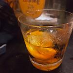 華 - レモン入り紹興酒、美味くて結局3杯も飲んでしまった。