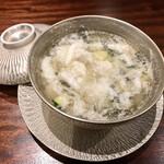 132147162 - 冬瓜入りの卵白のスープ