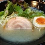新月 - 鶏白湯ラーメン塩