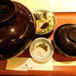 天濱 - かき揚丼のふたを開ける前