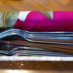 サンティ - SHANTI 板橋店 @ときわ台 お洒落な布に包まれたカトラリー