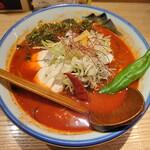 AFURI辛紅 - 真っ赤なスープに青唐辛子が映えるぅ!