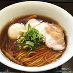 132178537 - 醤油味玉らぁ麺