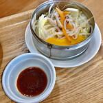 Chuukashokudoutoneri - 蒸し野菜は 蒸すことによって 野菜の甘さがよく出ていました