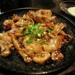 中目黒よだきんぼ - 味噌ホルモン鉄板焼き
