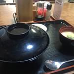中西食堂 - サザエ丼