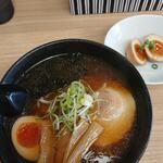 麺家 しろう - 料理写真: