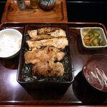 鳥清 - きじ焼重(1,000円)