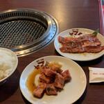 焼肉・冷麺ヤマト 北上店 - ヤマトカルビセット+中落ちカルビ