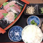 海丸 - お刺身定食