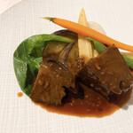 レストランパフューム - 和牛ホホ肉の赤ワイン煮込み