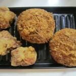 ハウスメッツガー・ハタ - 鶏唐揚げにキャベツメンチカツ