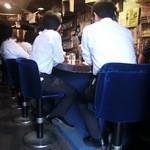 和レー屋 南船場ゴヤクラ - 初店内 ご飯の炊きあがりひたすら待ってます 今日は3回フルに焚いたそう