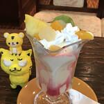 甘党喫茶 菊水 - フルーツパフェ 600円(税込)