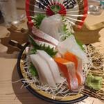 港町のモンキチ - 刺盛(500円)×2