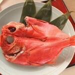 海辺のリゾート 碧い海 - 金目鯛の一夜干し 3.800円