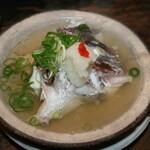立ち呑み処 たなか屋 - 料理写真:鯛の骨むし