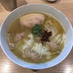 132272194 - 海老ワンタン白湯らぁ麺